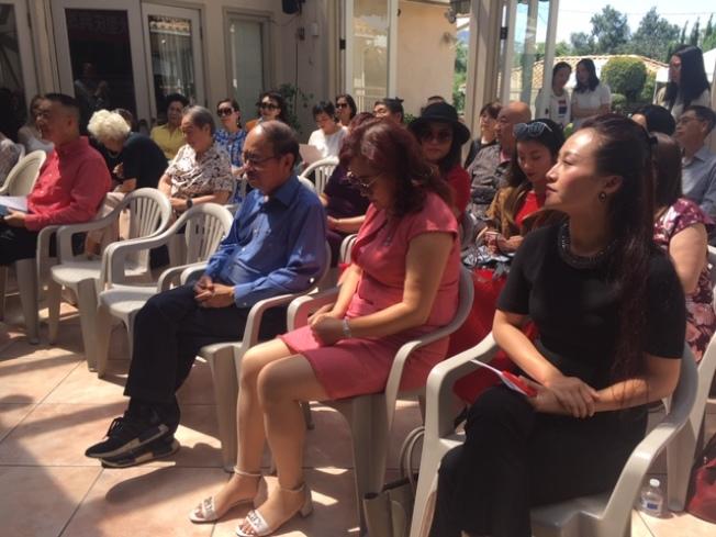 來自南加州數十個僑團的僑領們匯聚一堂,為「中國情」慶祝盛典出謀劃策。(記者楊青/攝影)