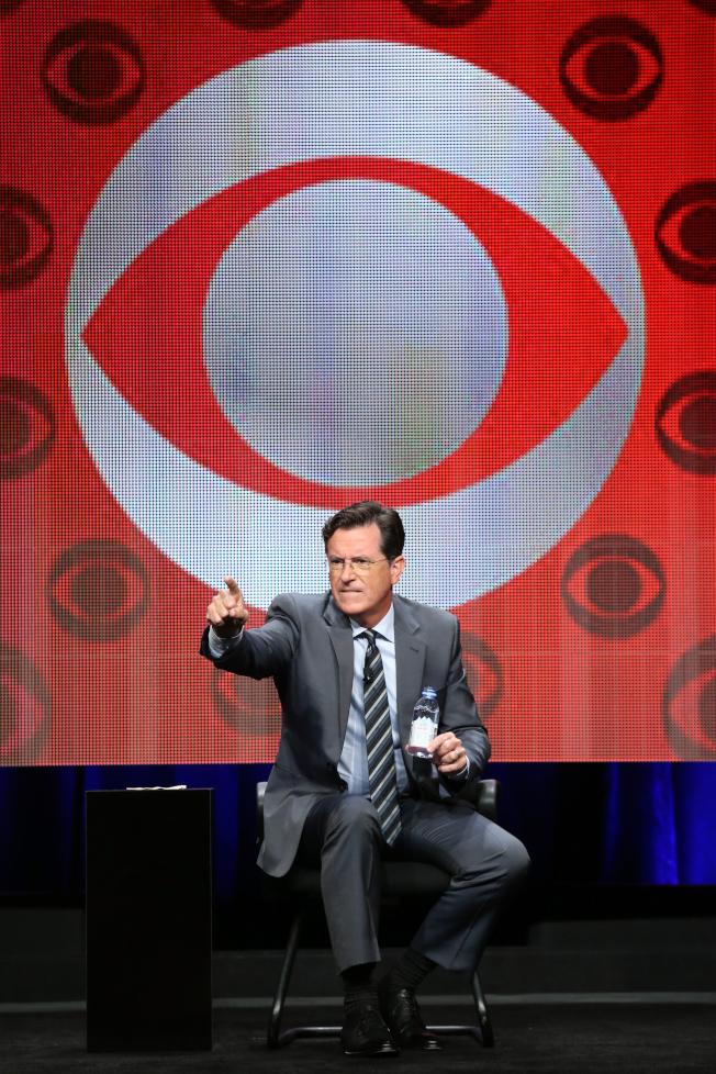 哥倫比亞廣播公司和電訊巨擘AT&T合約談不攏,美國至少17座城市約650萬家庭20日起看不到CBS的節目;柯貝爾主持的「深夜脫口秀」也受影響。(Getty Images)