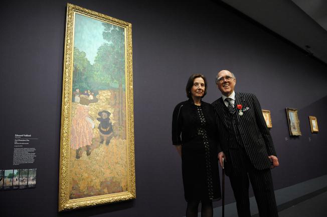 德州富孀瑪琳‧海斯再次把自己珍藏的大量珍貴藝術品捐贈給法國。圖為她和亡夫2013年合影。(Getty Images)