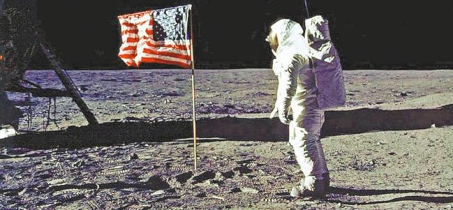 三名美國太空人,於50年前的1969年7月20日登上月球,成為人類首次的登月。(Getty Images)
