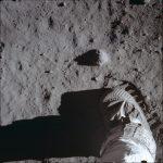 登月50年  2000人「跑上月球」 潘斯讚當年40萬英雄