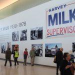 紀念首位同志市議員 米爾克航站樓揭幕