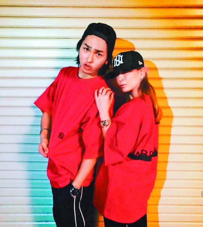 日本歌手濱崎步(右)與小20歲的舞者荒木駿平傳緋聞。(取材自Instagram)