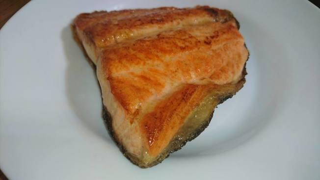 鮭魚含優質脂肪。(本報資料照片)