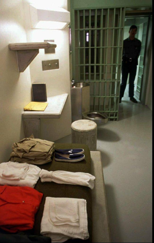 大毒梟古茲曼已送往位於科羅拉多州佛羅倫斯市戒備最森嚴的監獄,這座監獄被稱為ADX或Supermax。圖為1994年的監獄內部檔案照。(Getty Images)