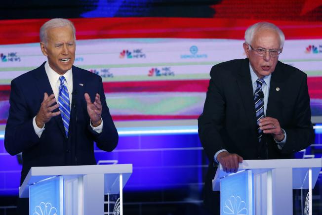 前副總統白登在黨內民調保持大幅領先,桑德斯參議員(右)落到第四。(美聯社)