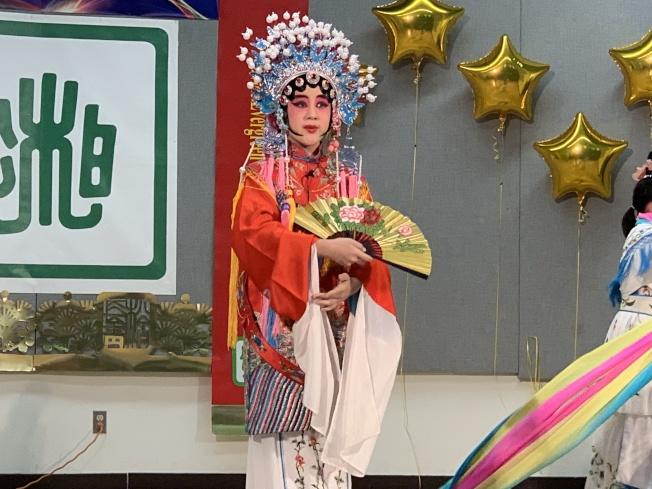 丁老師京劇教室的小學生張源演出「國色天香」。(本報記者/攝影)