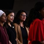 紐時:川普大打種族牌拚連任 民主黨束手無措