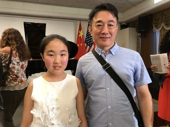 華人小鋼琴家在洛杉磯中領館獻藝表現精彩