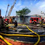 火源疑為中餐館 波城8級大火 燒毀8商家