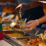 餐廳鬧人力荒 老闆推出更誘人的待遇及福利吸引員工