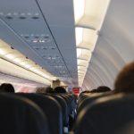 「不要說西語」 西裔女作家機上被制止  乘客空服員貼心解圍