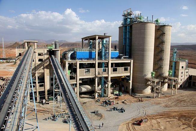 如果水泥產業是一個國家,它在溫室氣體排放總量排名上將只落後美國和中國。( 維基百科)