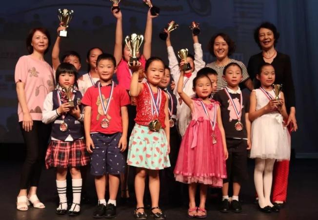 聖地牙哥華夏中文學校參加「2019城市兒童朗誦比賽」獲得佳績。(華夏中文學校提供)