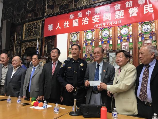 中華總會館及不同公所宣布為上周兩僑領被暴力攻擊事件懸紅賞金追緝涉案者。(記者李秀蘭/攝影)
