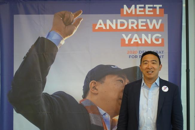 楊安澤在曼哈頓與媒體見面互動。(記者金春香/攝影)