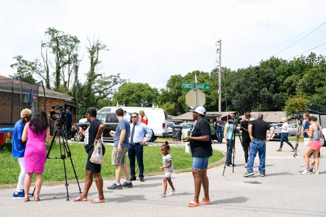 移民暨海關執法局探員到田納西州逮捕無證移民時,遭遇社區居民抵抗長達四小時。(美聯社)