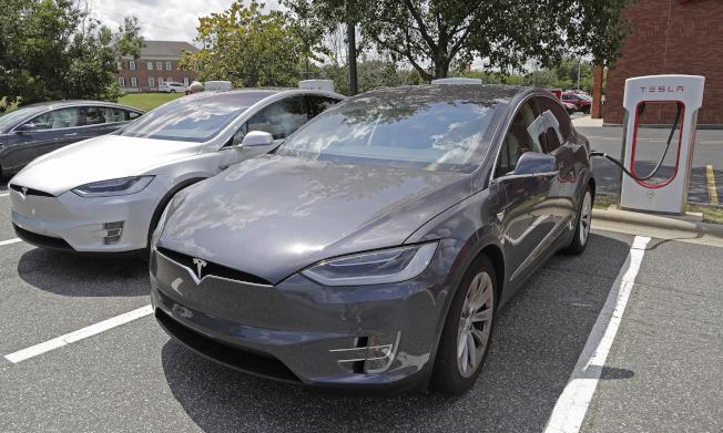 特斯拉重申全年交車展望目標不變,預計仍將達到36萬至40萬輛。(美聯社)