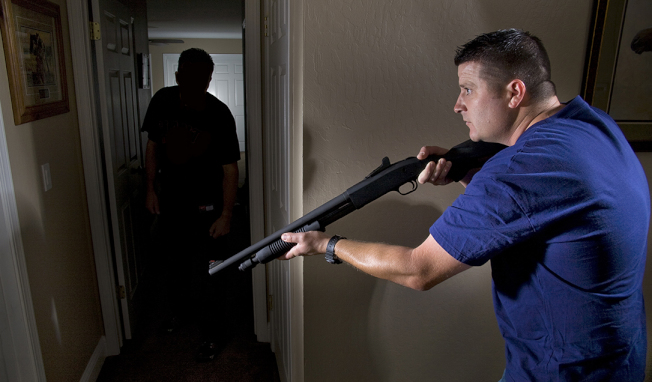屋主如何算是正當防衛,馬州、維州、華府三地都有相關法律規定。(Getty Images)