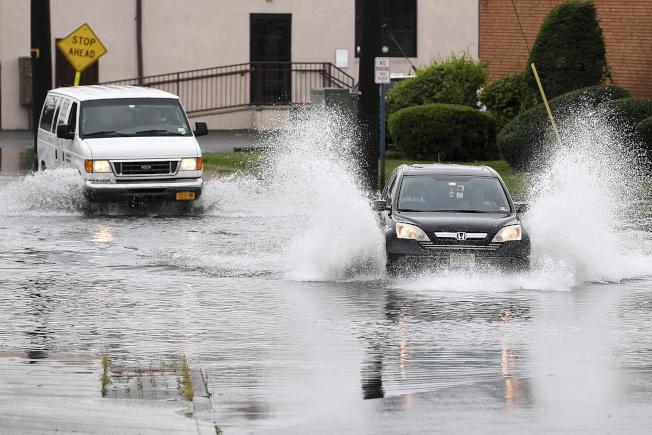 民調顯示,美國人的政治立場可以影響他們對極端天氣事件的看法。(美聯社)