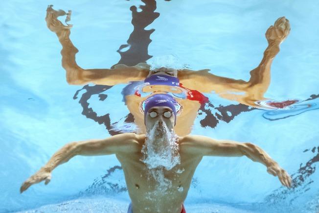 俄羅斯泳將朱普柯夫打破男子200公尺蛙式紀錄。(Getty Images)