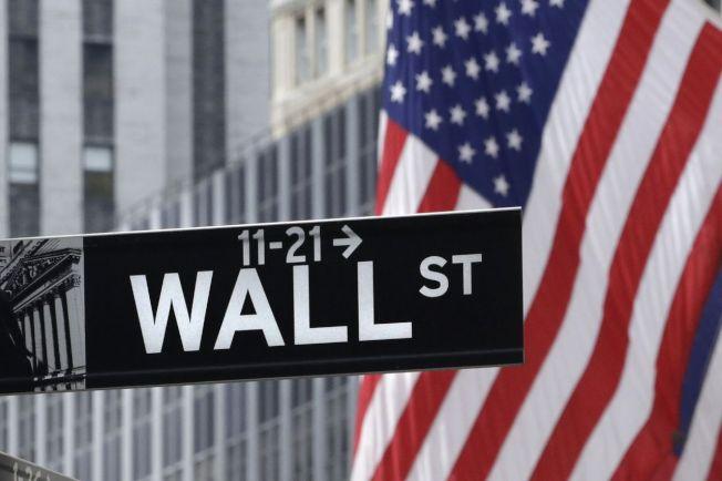 美股今年來漲勢如虹,但會不會重演去年年尾盤勢急轉直下的情況,令投資人關切。美聯社