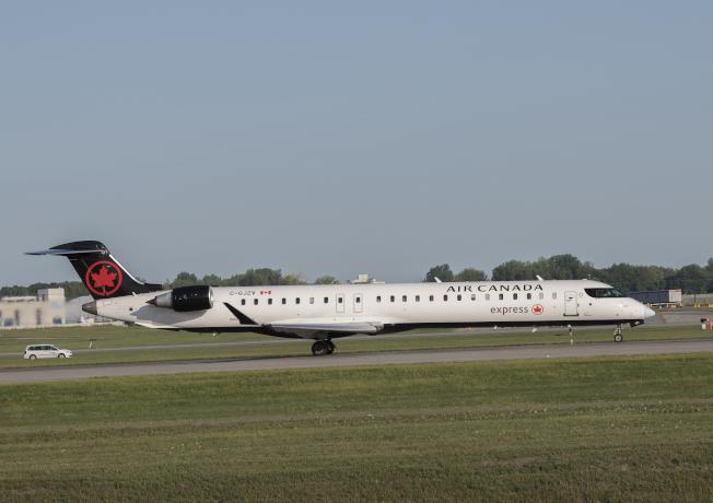 加拿大航空每天在舊金山機場有唯一直飛艾德蒙頓的航班,行程很快,僅3小時到達世外桃源旅遊。(加拿大航空供圖)