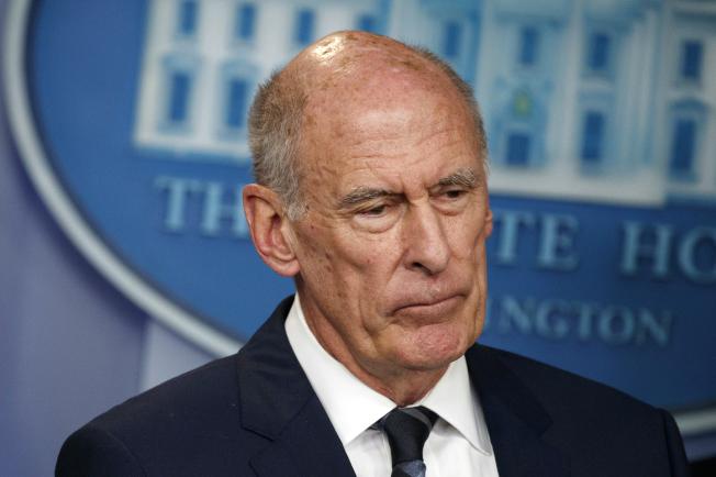 國家情報總監柯茨與川普總統不合拍,川普28日推文宣布柯茨將於8月15日離職。(美聯社)