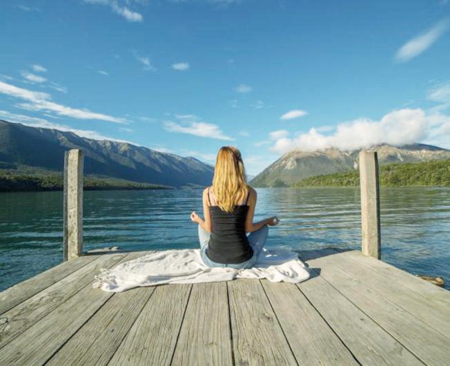 定期打坐冥想放鬆身心,有許多意想不到的益處。(Getty Images)