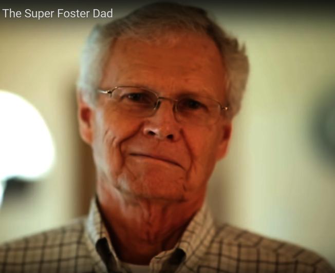 77歲的奧斯汀居民貝爾可說是超級奶爸,和妻子在36年間臨時收養了高達173名嬰兒。(KUT電視台)