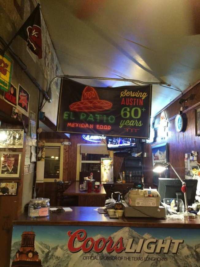 奧斯汀分校旁歷史地標「涼台餐廳」經營65年之後即將歇業。(取自Yelp)