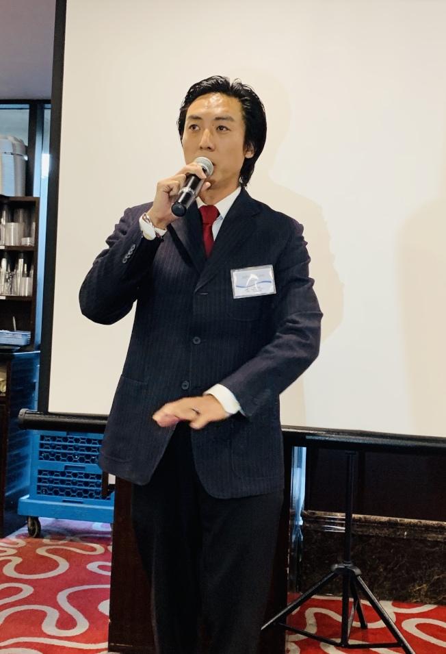 聖地牙哥第九區市議員候選人Johnny Lee為第二代越華裔,從事脊椎矯正專業。(記者陳良玨/攝影)