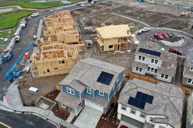 最新報告指出,想在灣區買房,收入必須是灣區中位數收入的九倍。(Getty Images)