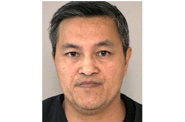 休士頓亞裔員警Danny Le 16日涉嫌在福遍縣召妓,沒想到遇到警方執行臥底查緝賣淫行動而被逮補。(福遍縣警局提供)