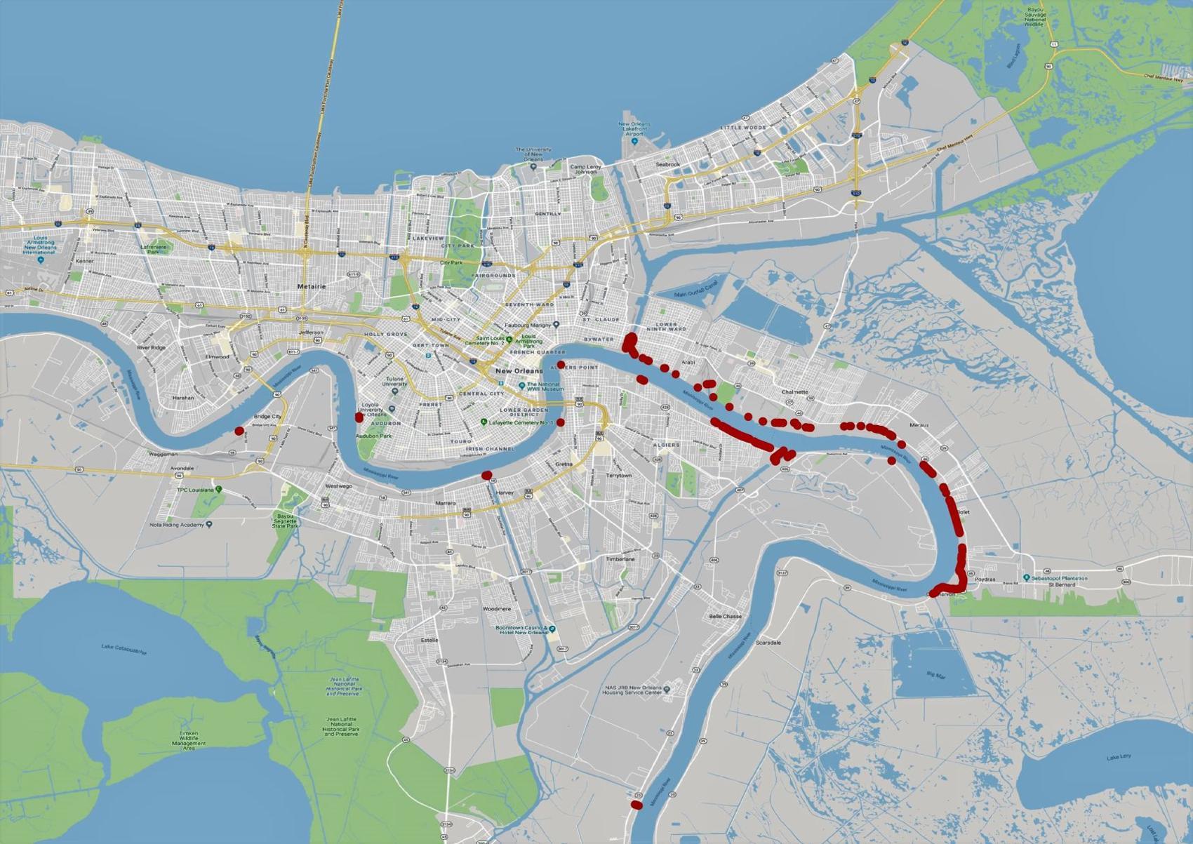 紅色點是密西西比河岸河堤低於20呎的地區,這些地方現在都處於危險中。(Army Corps of Engineers National Levee Database)