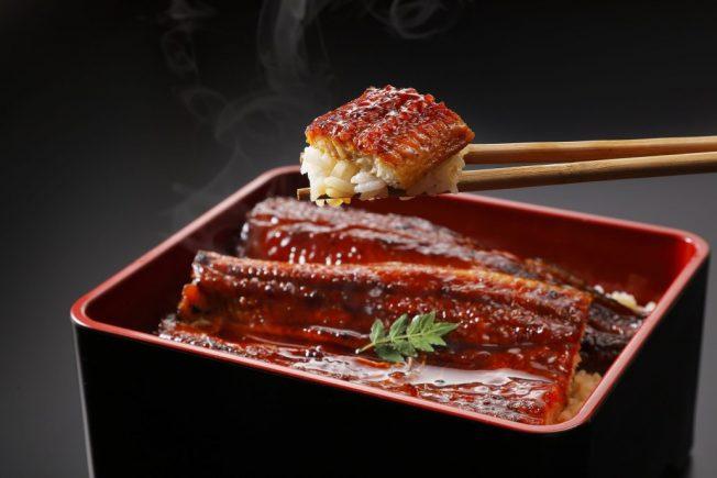 天氣好熱 來碗鰻魚飯吧!
