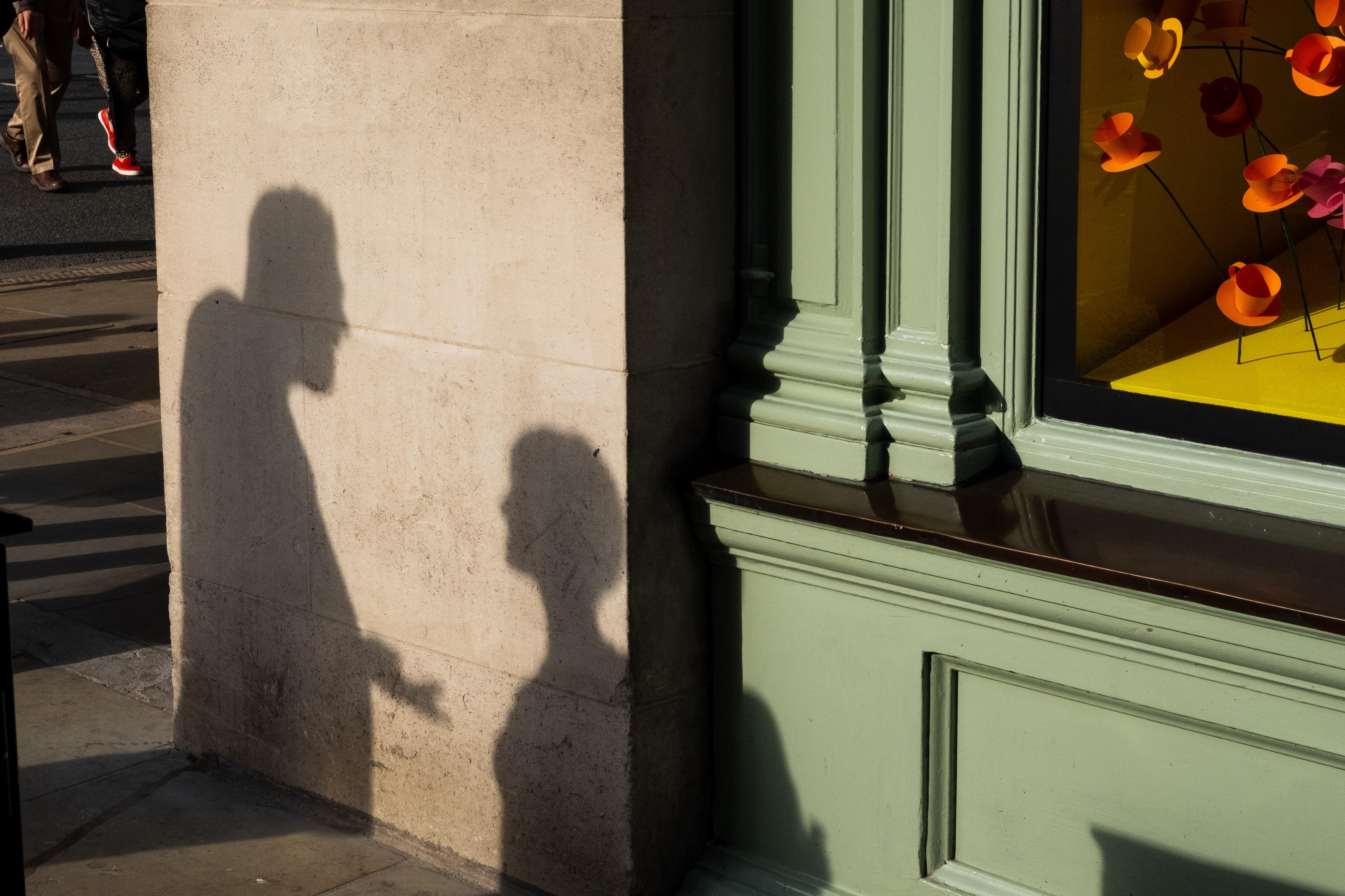 紐約一對華裔夫妻為錢起爭執,鬧進社團求助。圖為示意圖。(Photo by Jonathan Sharp on Unsplash)