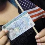 「我的綠卡申請快攔下來…」 華人最易踢到的鐵板:白卡長照福利