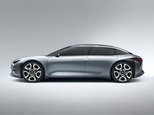 首款現身的新世代C6轎車將於2020年發表。(Citroen)