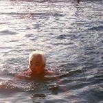 醫藥 | 泳池紅眼症 3高長輩易感染