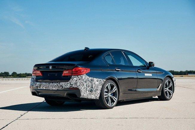 6月發表的Power BEV純電力系統原型車或許是BMW在替全電動5-Series車款試水溫。(BMW)