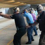 禁教師帶槍到學校 葛謨州長簽署法案