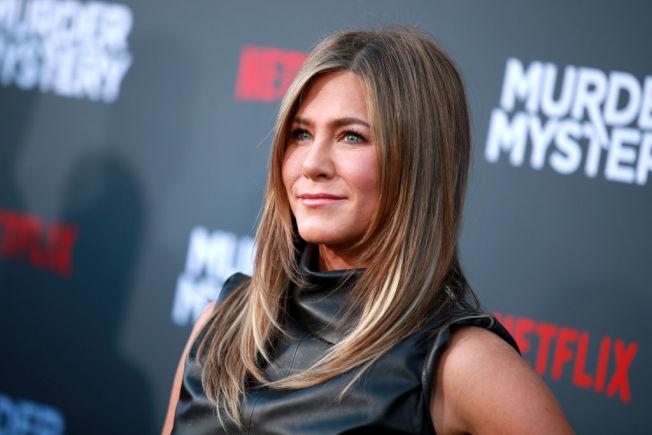 Netflix吸引電影明星參與製片或演出。圖為珍妮佛安妮斯頓今年6月出席Netflix攝製的「Murder Mystery」首映會。(Getty Images)