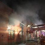 布碌崙華商廚具倉庫凌晨大火 5消防員受傷