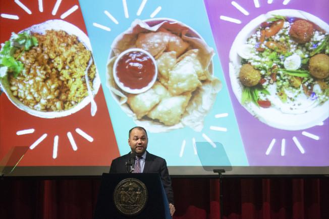 市議長張晟將推出一系列措施,改善紐約市糧食分布不均的問題。(市議長辦公室提供)