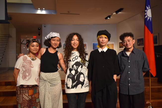 中央公園「台灣之夜」今年以「Taiwanese Baes」為主題,邀請代表台灣的四組女力代表唱響紐約。圖左至右為阿爆、9m88、萬芳、Tizzy Bac主唱陳惠婷與鼓手林前源。(記者顏嘉瑩/攝影)
