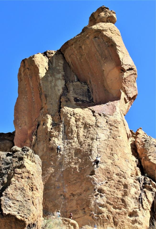 「基督徒兄弟」上的攀岩者。