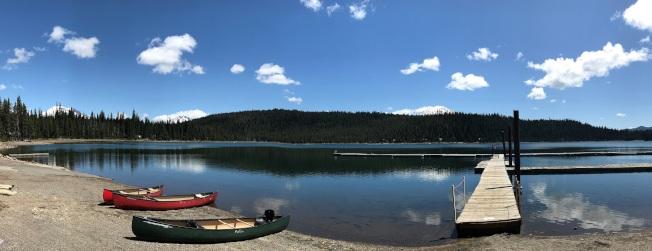 麋鹿湖,位於喀斯喀特湖景觀路。