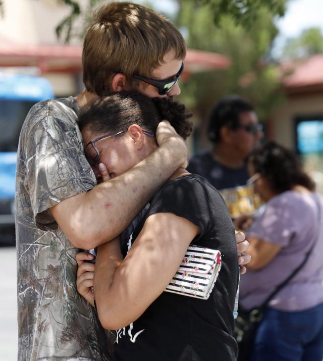 德州艾爾巴索一座購物中心3日發生槍擊事件,至少19死40傷,當局表示兇嫌已經被捕。(歐新社)
