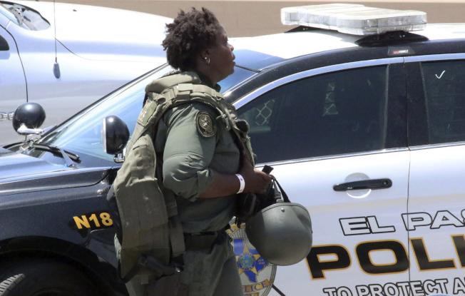德州艾爾巴索一座購物中心3日發生槍擊事件,至少19死40傷,當局表示兇嫌已經被捕。(美聯社)